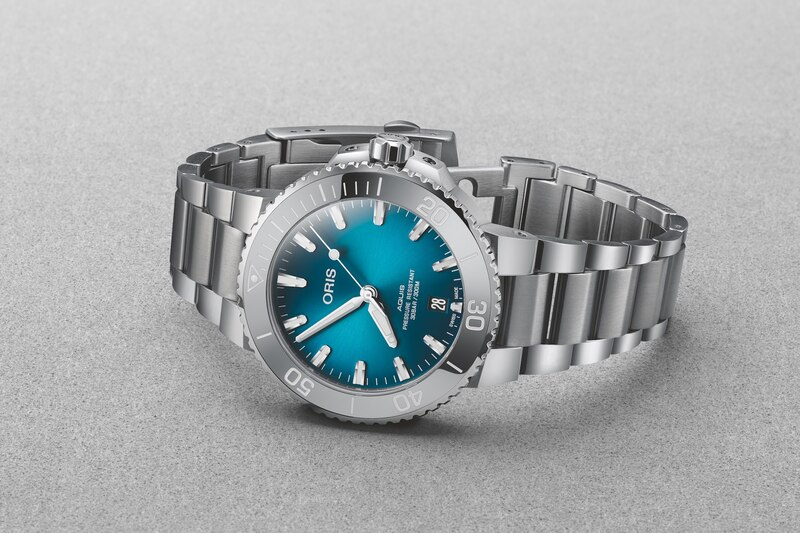Oris Adds a 41.5mm Version  to Its Aquis Date, and a New Colour to the 39.5mm Model